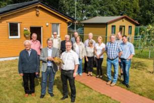 Landrat Dr. Klaus Effing zu Besuch in der Neuenkirchener Kleintierzuchtanlage